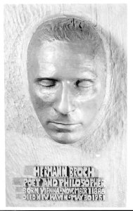 Death mask of Hermann Broch. Beinkie Library, Yale University.