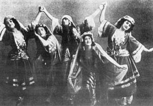 The ballet was based on the great Russian political belief that there was a golden peasant past, before serfdom, before Peter the Great, where the people lived in an idyllic comunal harmony with nature. (roerichsibur.ru.)