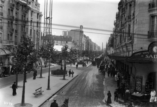 Boulevard Raspail, Paris, 1913 (Bibliothèque national de France).