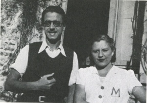 Rodoreda and Armand Obiols in 1939. (Photo Source: La Fundació Mercè Rodoreda.)