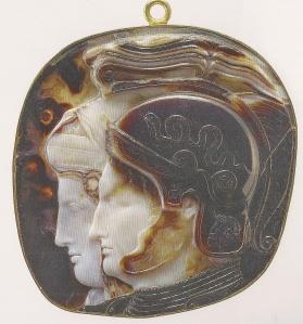 33. Cameo of Ptolemy II and Arsinoe II. Indian sardonyx om hp;f dryyomh. 278-270 B.C.E. Antikensammlung, Kunsthistoriches Museum, Vienna.